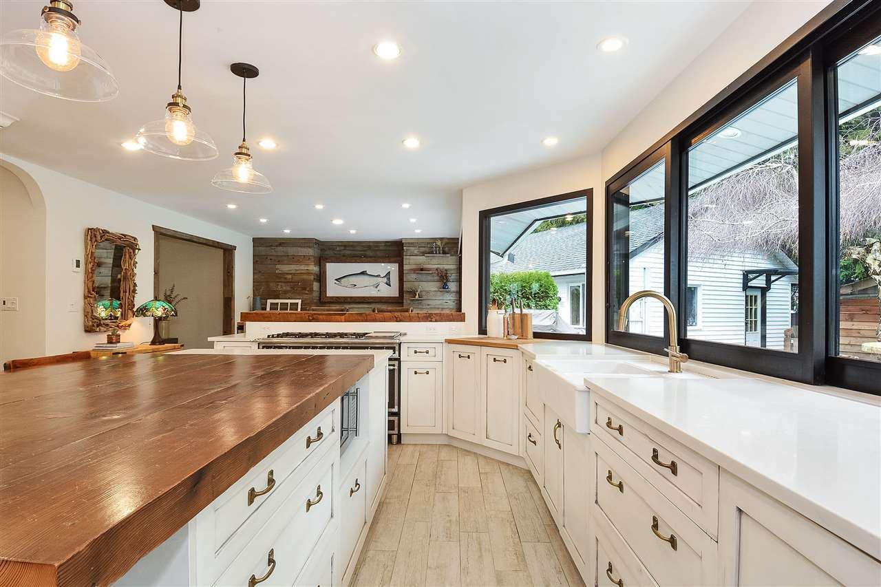 "Photo 8: Photos: 12655 21A Avenue in Surrey: Crescent Bch Ocean Pk. House for sale in ""Ocean Cliff Estates"" (South Surrey White Rock)  : MLS®# R2237825"