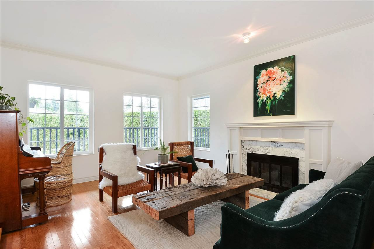 "Photo 3: Photos: 12655 21A Avenue in Surrey: Crescent Bch Ocean Pk. House for sale in ""Ocean Cliff Estates"" (South Surrey White Rock)  : MLS®# R2237825"