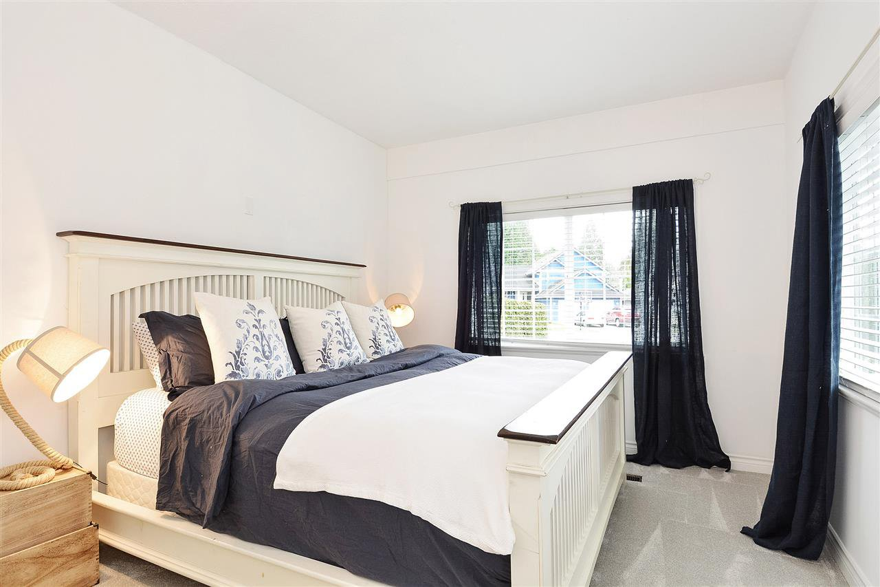 "Photo 13: Photos: 12655 21A Avenue in Surrey: Crescent Bch Ocean Pk. House for sale in ""Ocean Cliff Estates"" (South Surrey White Rock)  : MLS®# R2237825"