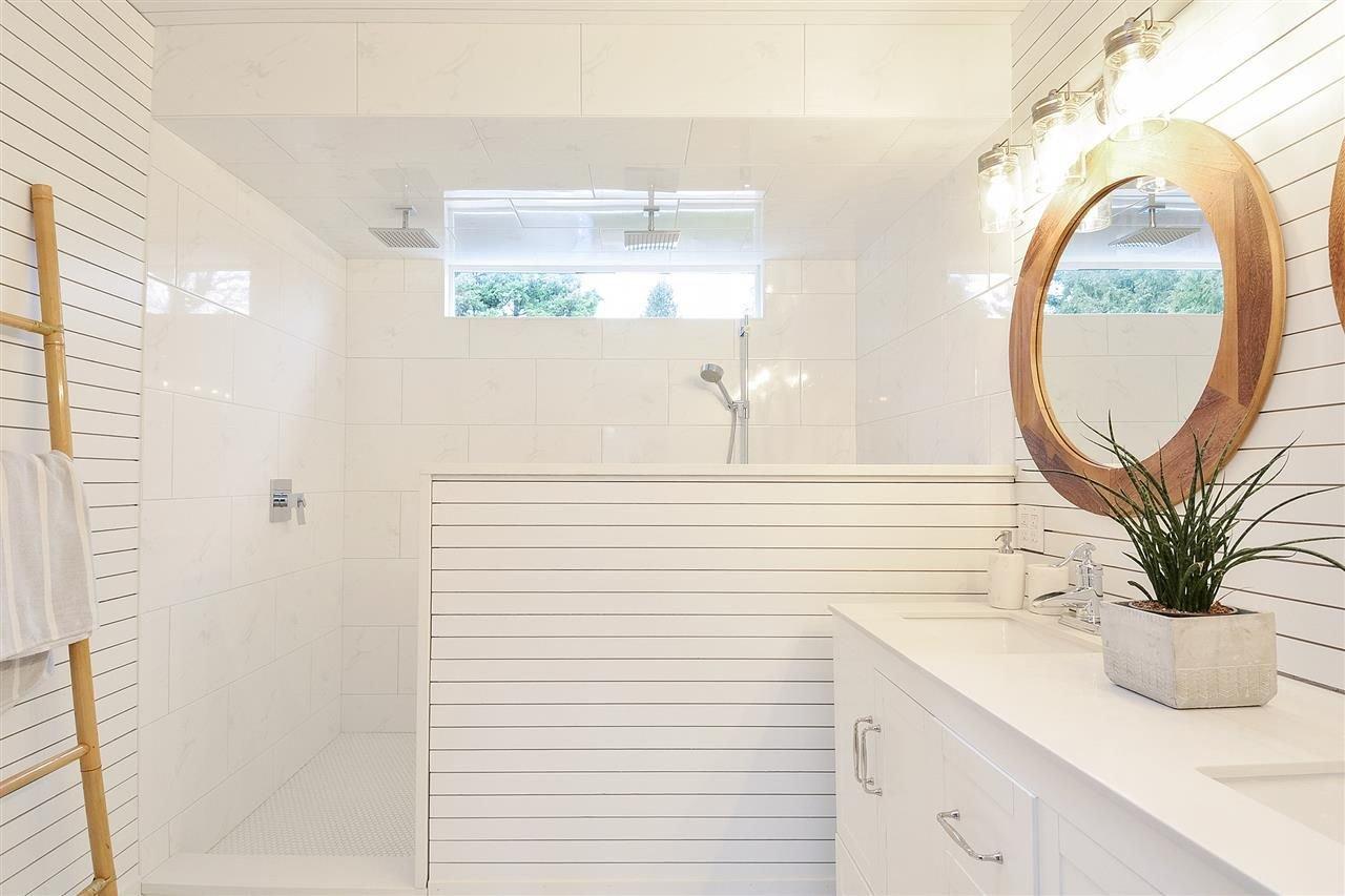 "Photo 17: Photos: 12655 21A Avenue in Surrey: Crescent Bch Ocean Pk. House for sale in ""Ocean Cliff Estates"" (South Surrey White Rock)  : MLS®# R2237825"