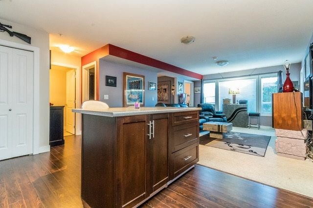 """Photo 4: Photos: 102 46289 YALE Road in Chilliwack: Chilliwack E Young-Yale Condo for sale in """"NewMark"""" : MLS®# R2238596"""