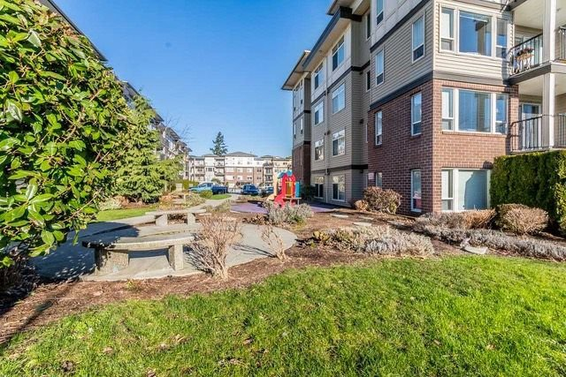 """Photo 17: Photos: 102 46289 YALE Road in Chilliwack: Chilliwack E Young-Yale Condo for sale in """"NewMark"""" : MLS®# R2238596"""