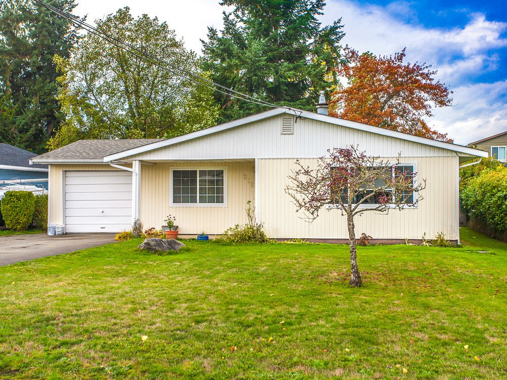 Main Photo: 225 Evergreen Street in Parksville: House for sale : MLS®# 382615