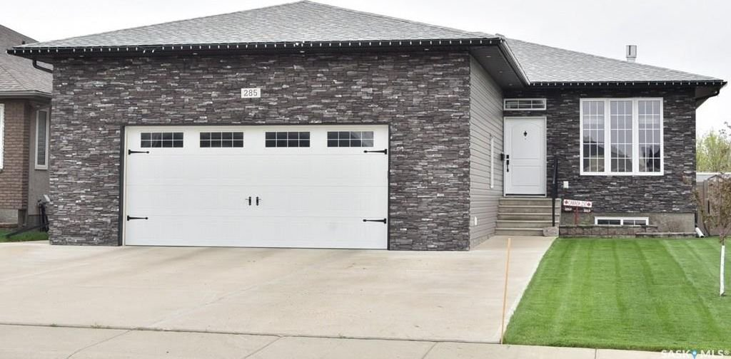 Main Photo: 285 WOOD LILY Drive in Moose Jaw: VLA/Sunningdale Residential for sale : MLS®# SK733752