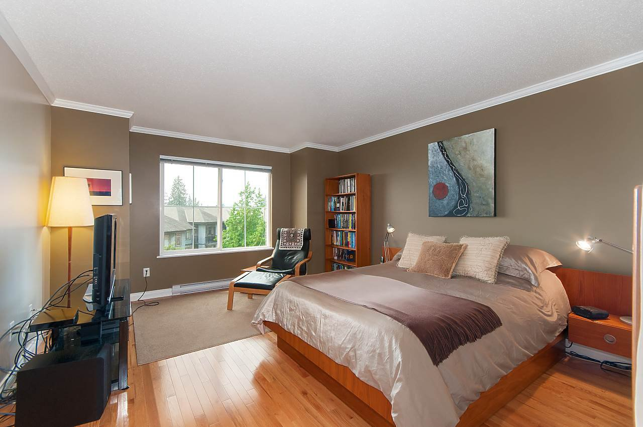 """Photo 7: Photos: 4 2978 WHISPER Way in Coquitlam: Westwood Plateau Townhouse for sale in """"WHISPER RIDGE"""" : MLS®# R2300463"""