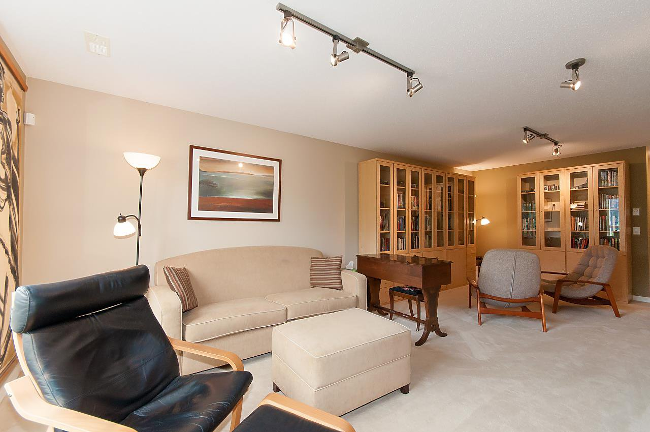 """Photo 13: Photos: 4 2978 WHISPER Way in Coquitlam: Westwood Plateau Townhouse for sale in """"WHISPER RIDGE"""" : MLS®# R2300463"""