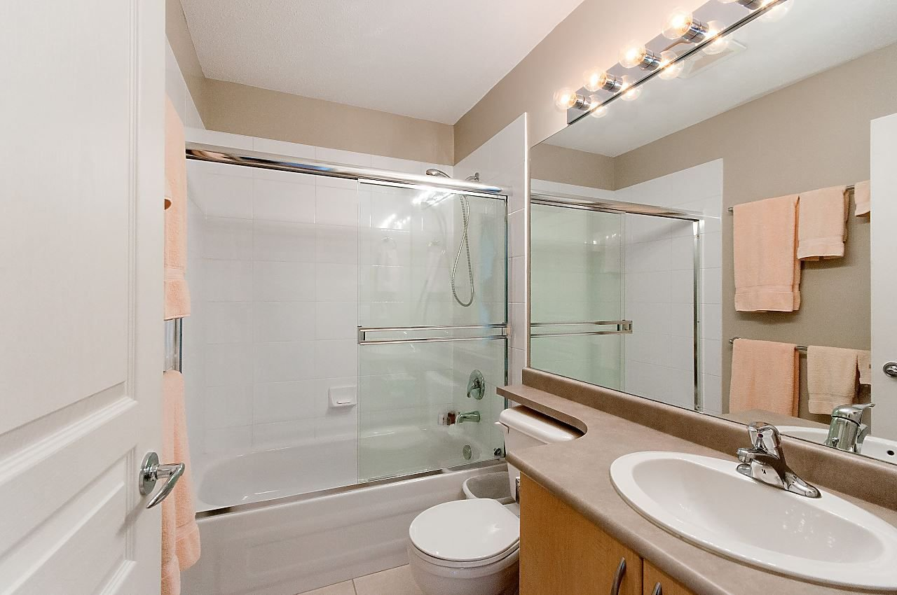 """Photo 12: Photos: 4 2978 WHISPER Way in Coquitlam: Westwood Plateau Townhouse for sale in """"WHISPER RIDGE"""" : MLS®# R2300463"""