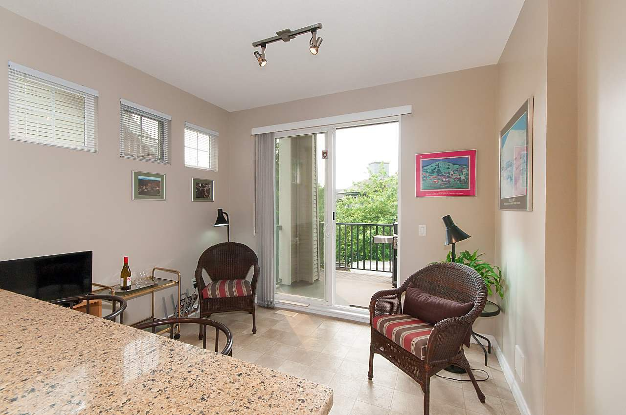"""Photo 3: Photos: 4 2978 WHISPER Way in Coquitlam: Westwood Plateau Townhouse for sale in """"WHISPER RIDGE"""" : MLS®# R2300463"""