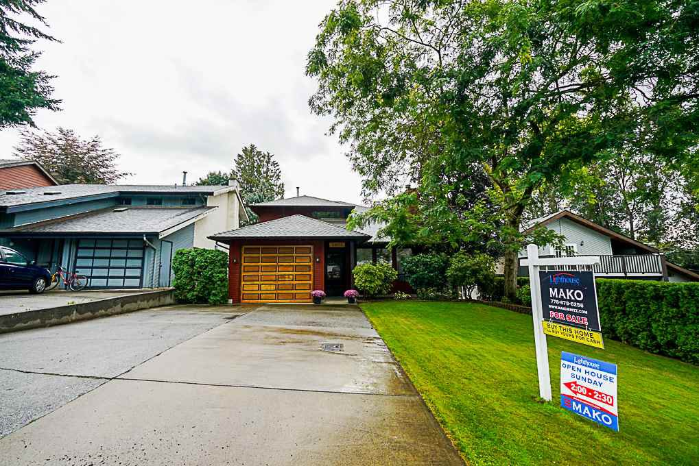 "Main Photo: 34972 BERNINA Court in Abbotsford: Abbotsford East House for sale in ""Glenn Mountain"" : MLS®# R2306109"