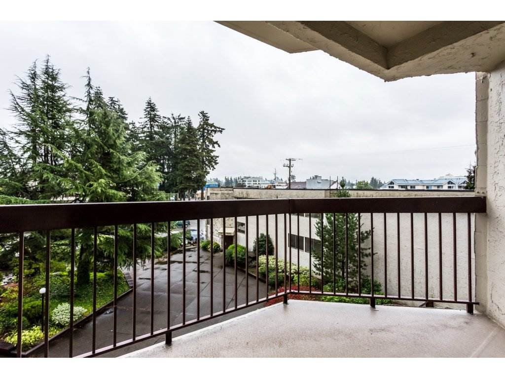 Photo 13: Photos: 305 31955 OLD YALE Road in Abbotsford: Abbotsford West Condo for sale : MLS®# R2311478