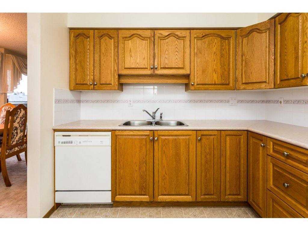 Photo 3: Photos: 305 31955 OLD YALE Road in Abbotsford: Abbotsford West Condo for sale : MLS®# R2311478