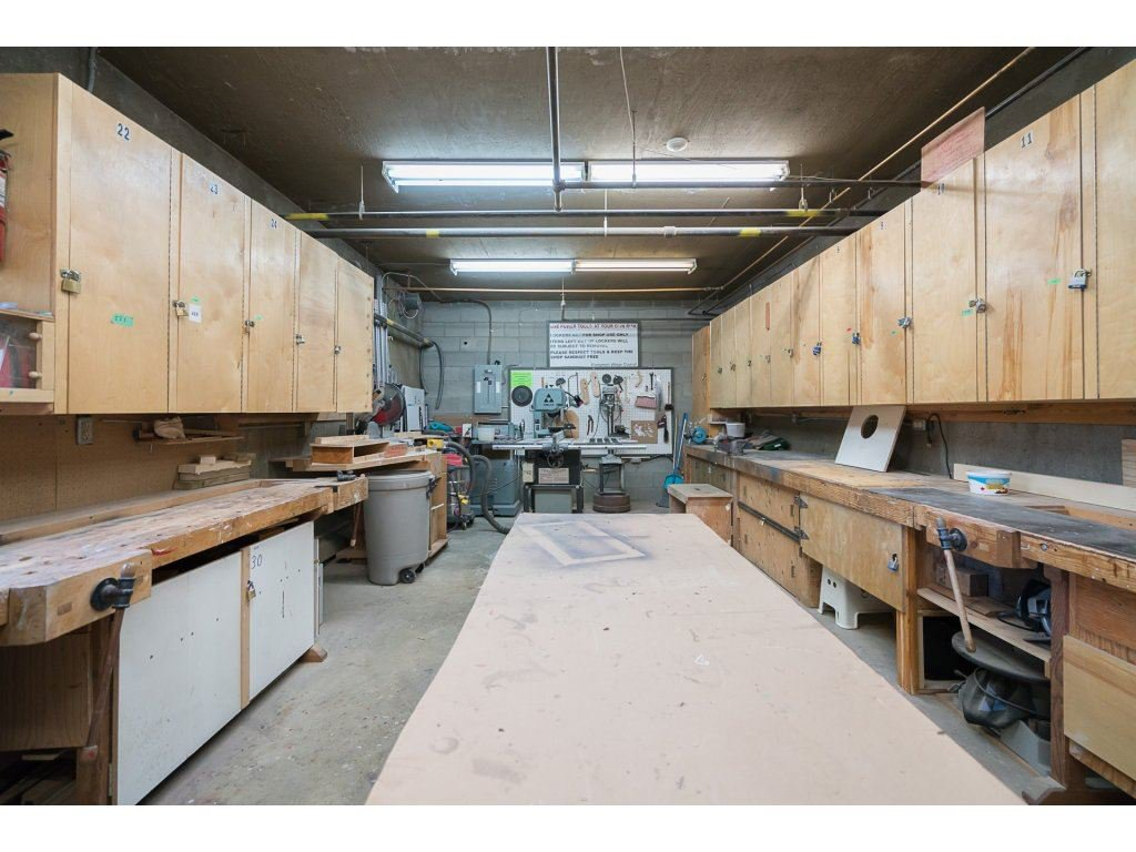 Photo 15: Photos: 305 31955 OLD YALE Road in Abbotsford: Abbotsford West Condo for sale : MLS®# R2311478