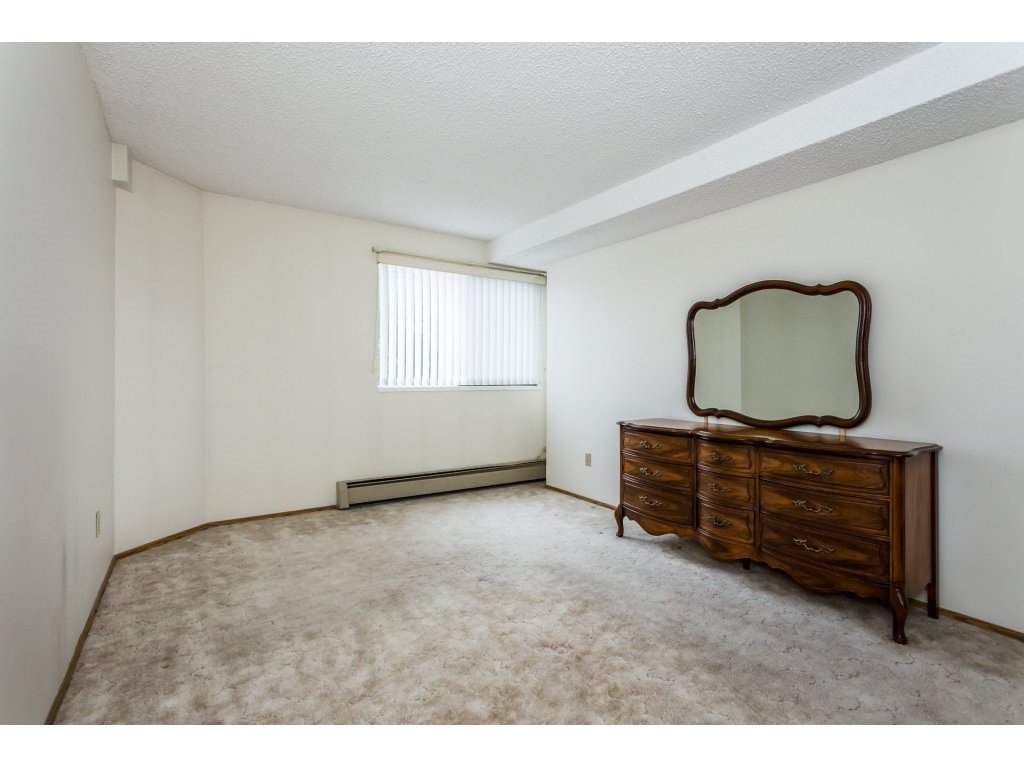 Photo 7: Photos: 305 31955 OLD YALE Road in Abbotsford: Abbotsford West Condo for sale : MLS®# R2311478