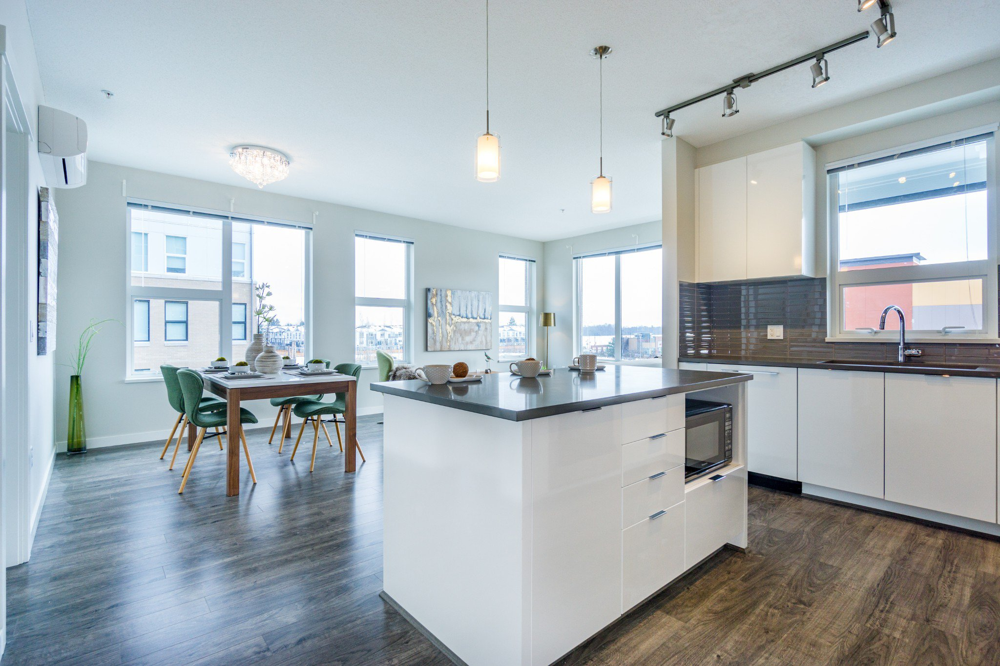 """Photo 3: Photos: 303 9311 ALEXANDRA Road in Richmond: West Cambie Condo for sale in """"ALEXANDRA COURT"""" : MLS®# R2347629"""