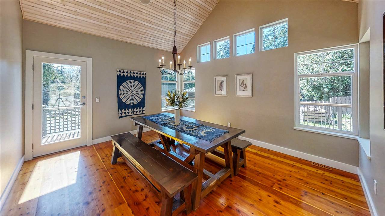 "Photo 5: Photos: 8116 SOUTHWOOD Road in Halfmoon Bay: Halfmn Bay Secret Cv Redroofs House for sale in ""WELCOME WOODS"" (Sunshine Coast)  : MLS®# R2375483"