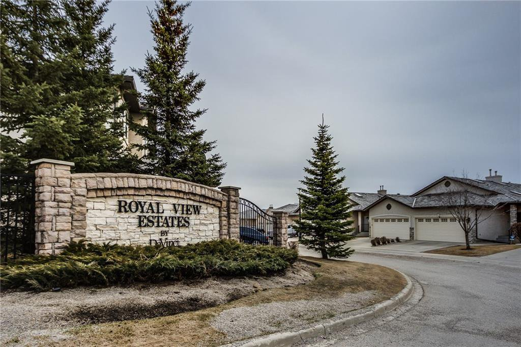 Main Photo: 81 ROYAL CREST View NW in Calgary: Royal Oak Semi Detached for sale : MLS®# C4253353