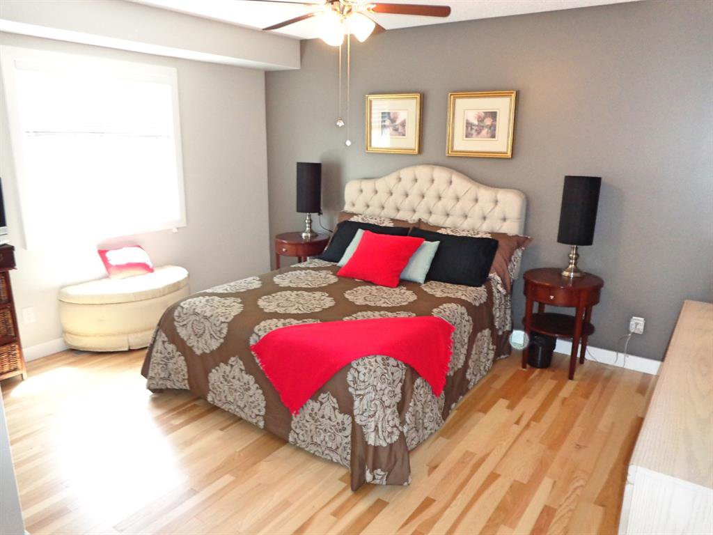 Photo 18: Photos: 93 Deer Coulee Drive in Didsbury: NONE Residential for sale : MLS®# A1005988