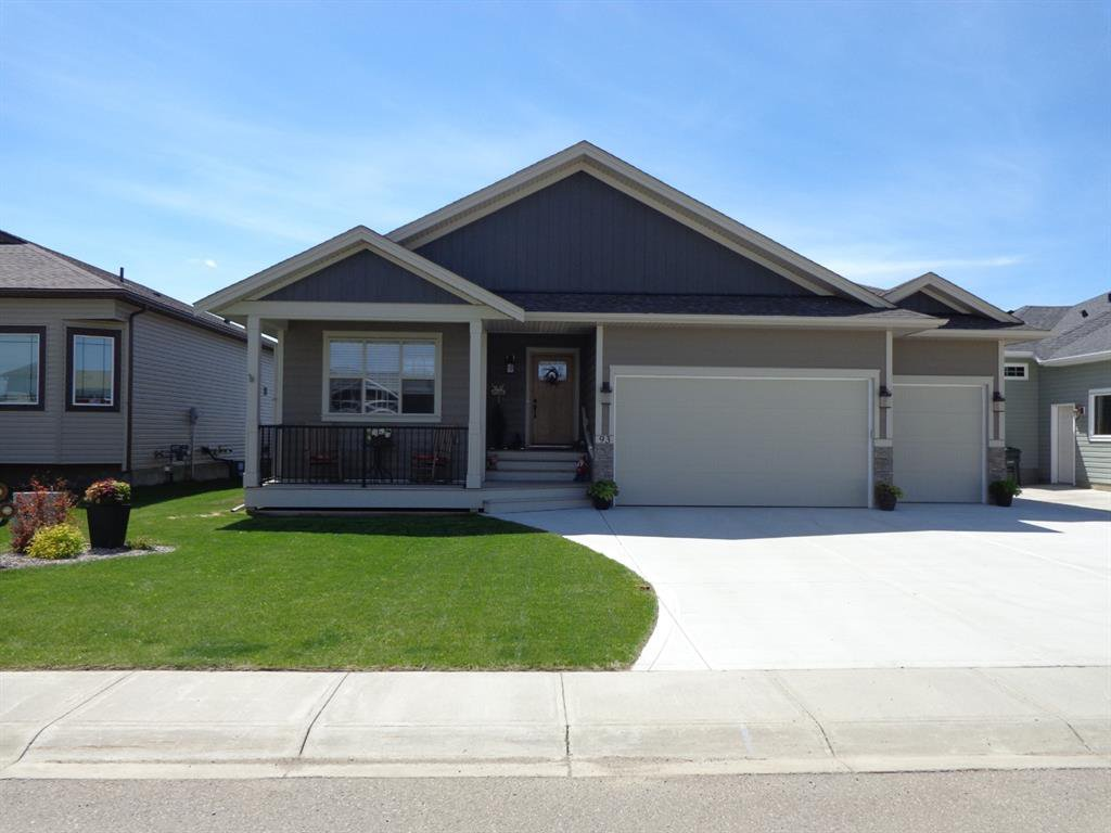 Photo 1: Photos: 93 Deer Coulee Drive in Didsbury: NONE Residential for sale : MLS®# A1005988