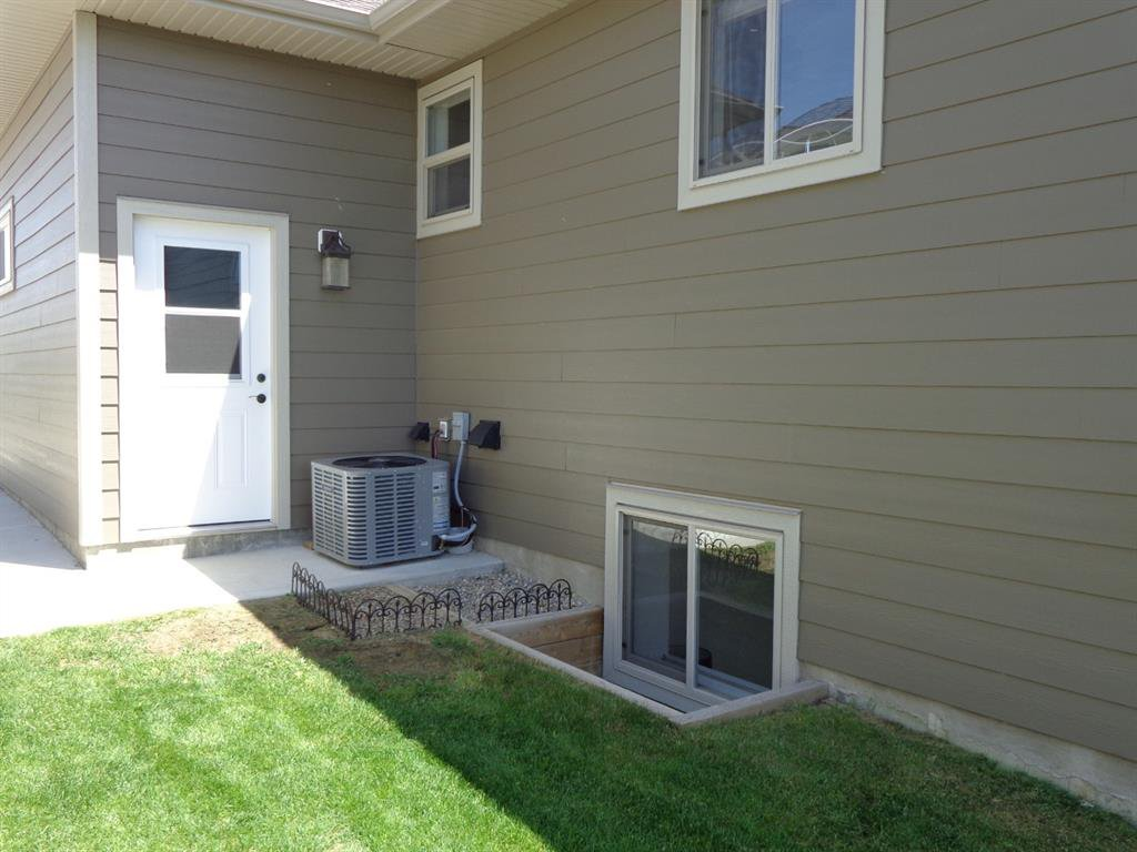 Photo 36: Photos: 93 Deer Coulee Drive in Didsbury: NONE Residential for sale : MLS®# A1005988