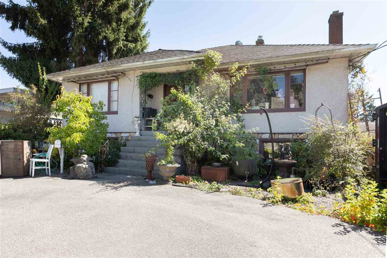 Main Photo: 2466 AUSTIN Avenue in Coquitlam: Central Coquitlam House for sale : MLS®# R2487797