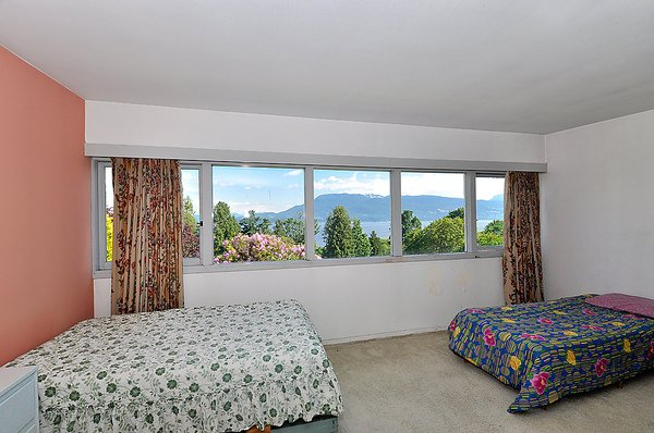 Photo 26: Photos: 5747 NEWTON WYND in Vancouver: University VW House for sale (Vancouver West)  : MLS®# V896524