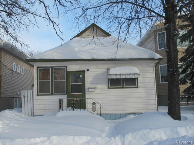 Main Photo:  in WINNIPEG: East Kildonan Residential for sale (North East Winnipeg)  : MLS®# 1400832