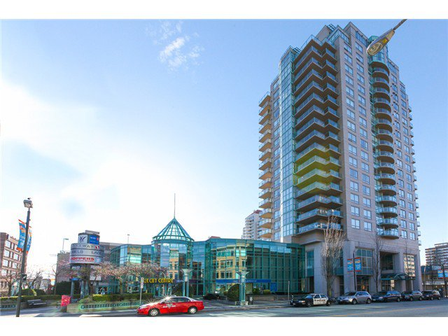 """Main Photo: 1801 612 SIXTH Street in New Westminster: Uptown NW Condo for sale in """"""""THE WOODWARD"""""""" : MLS®# V1051862"""