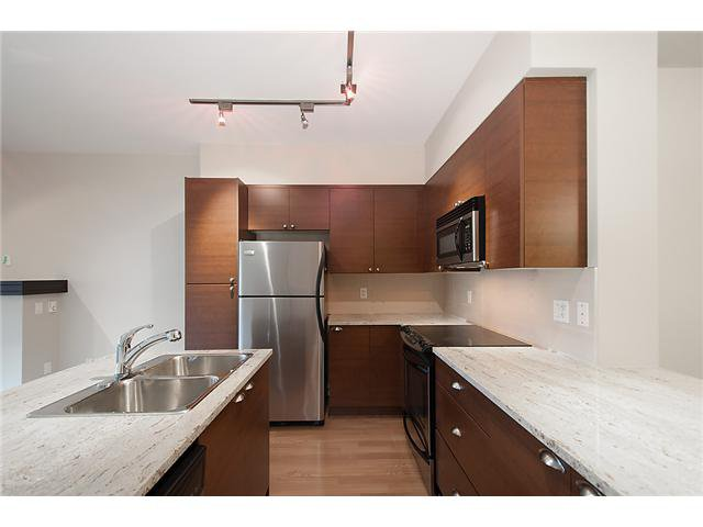 """Main Photo: 38 19478 65TH Avenue in Surrey: Clayton Condo for sale in """"Sunset Grove"""" (Cloverdale)  : MLS®# F1406717"""