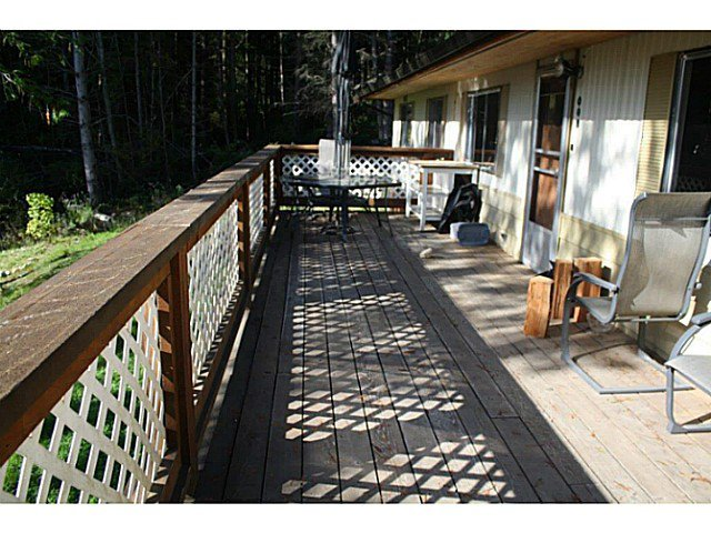 "Photo 14: Photos: 1186 FIRBURN Road: Roberts Creek House for sale in ""UPPER ROBERTS CREEK"" (Sunshine Coast)  : MLS®# V1059211"