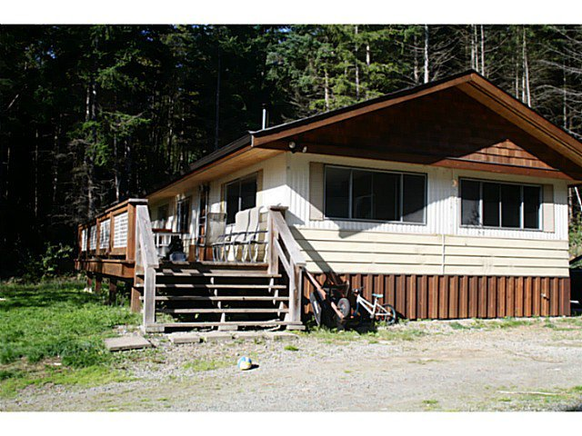 "Photo 1: Photos: 1186 FIRBURN Road: Roberts Creek House for sale in ""UPPER ROBERTS CREEK"" (Sunshine Coast)  : MLS®# V1059211"