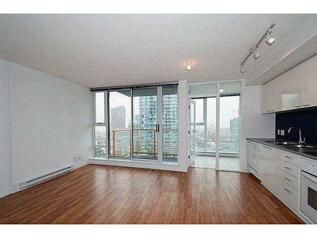 "Main Photo: 2101 131 REGIMENT Square in Vancouver: Downtown VW Condo for sale in ""Spectrum 3"" (Vancouver West)  : MLS®# V1119494"