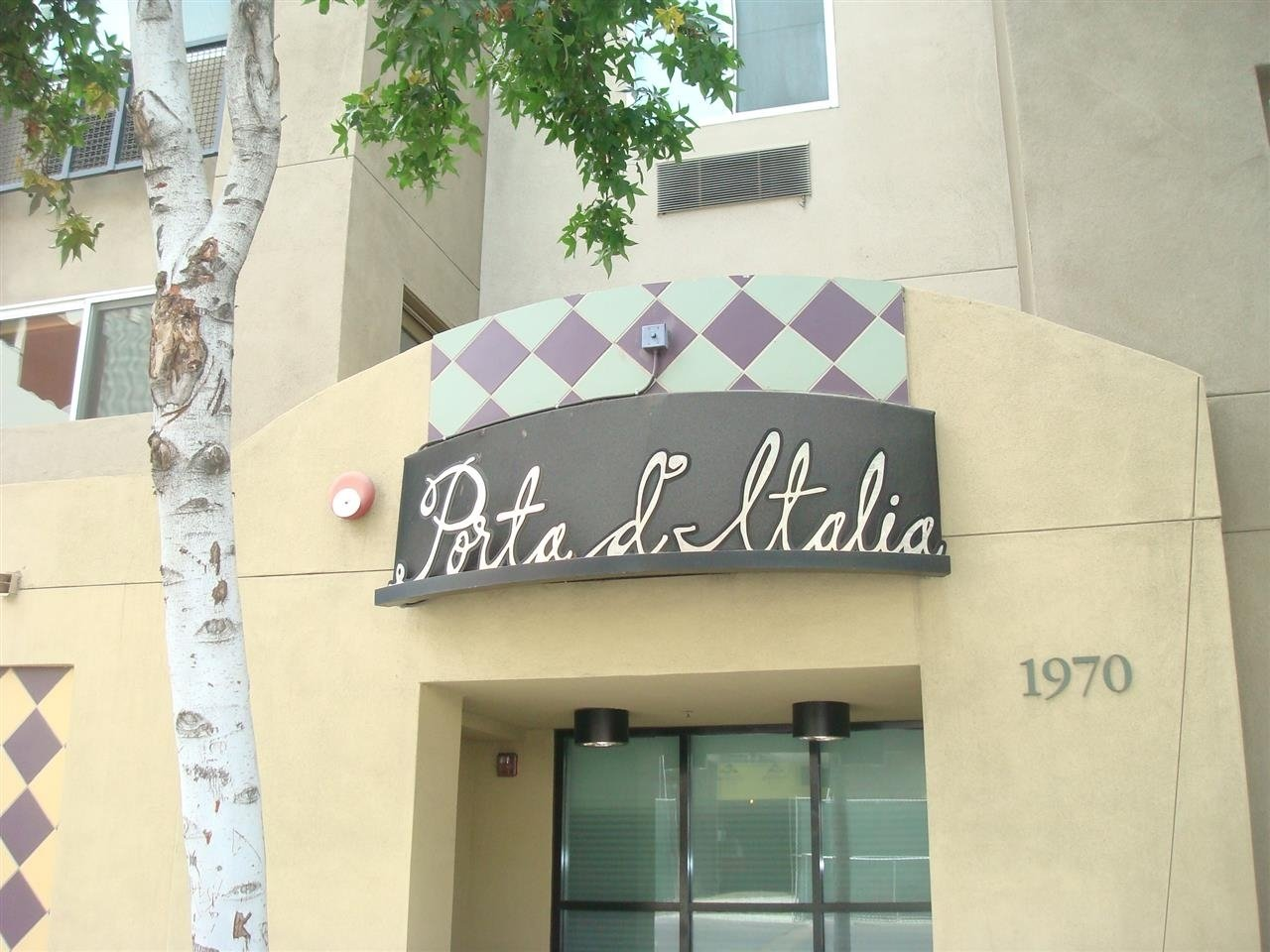 Main Photo: DOWNTOWN Condo for rent : 1 bedrooms : 1970 Columbia #202 in San Diego