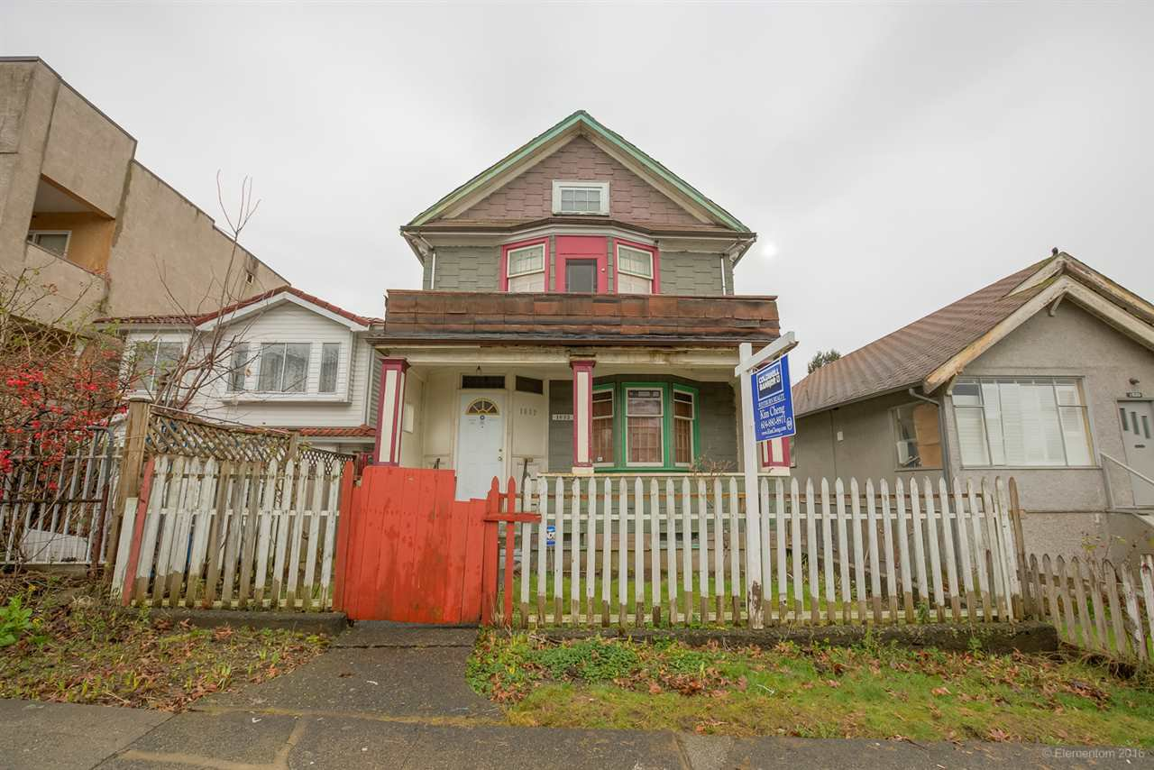 Main Photo: 1632 E 4TH Avenue in Vancouver: Grandview VE House for sale (Vancouver East)  : MLS®# R2033291