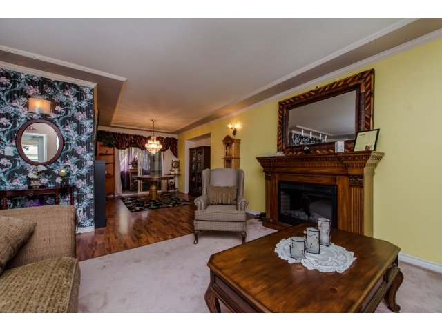 Photo 5: Photos: 5557 HIGHROAD Crescent in Sardis: Promontory House for sale : MLS®# R2036126