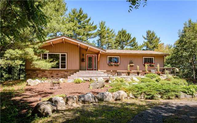 Main Photo: 11 Brenda Avenue in Parry Sound: House (Bungalow) for sale : MLS®# X3546471