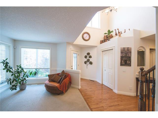 Photo 3: Photos: 84 CHAPALA Square SE in Calgary: Chaparral House for sale : MLS®# C4074127