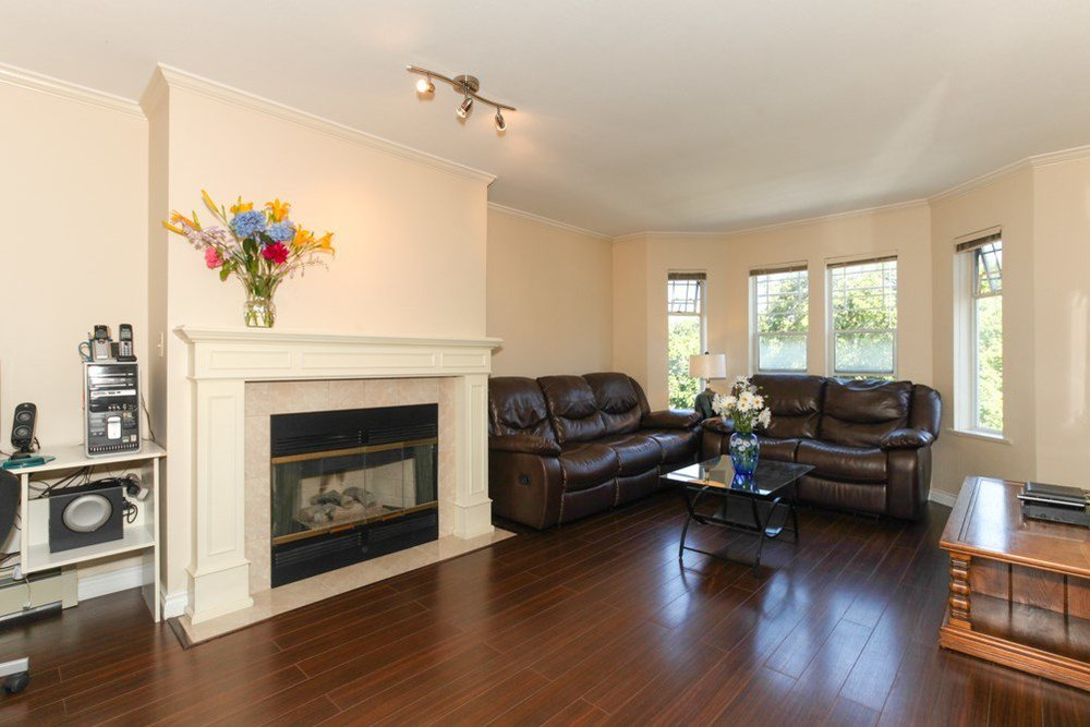 Photo 2: Photos: 7 4965 47 AVENUE in Ladner: Ladner Elementary Home for sale ()  : MLS®# R2035000