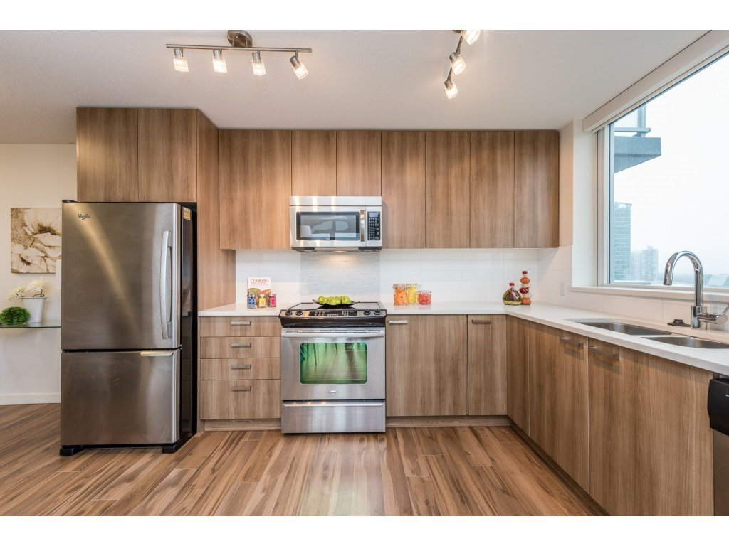 "Photo 4: Photos: 712 13325 102A Avenue in Surrey: Whalley Condo for sale in ""ULTRA"" (North Surrey)  : MLS®# R2166205"