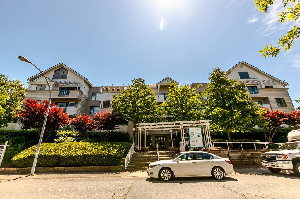 Main Photo: #402 20268  54 Avenue: Langley City Condo for sale (Langley)  : MLS®# R2184613