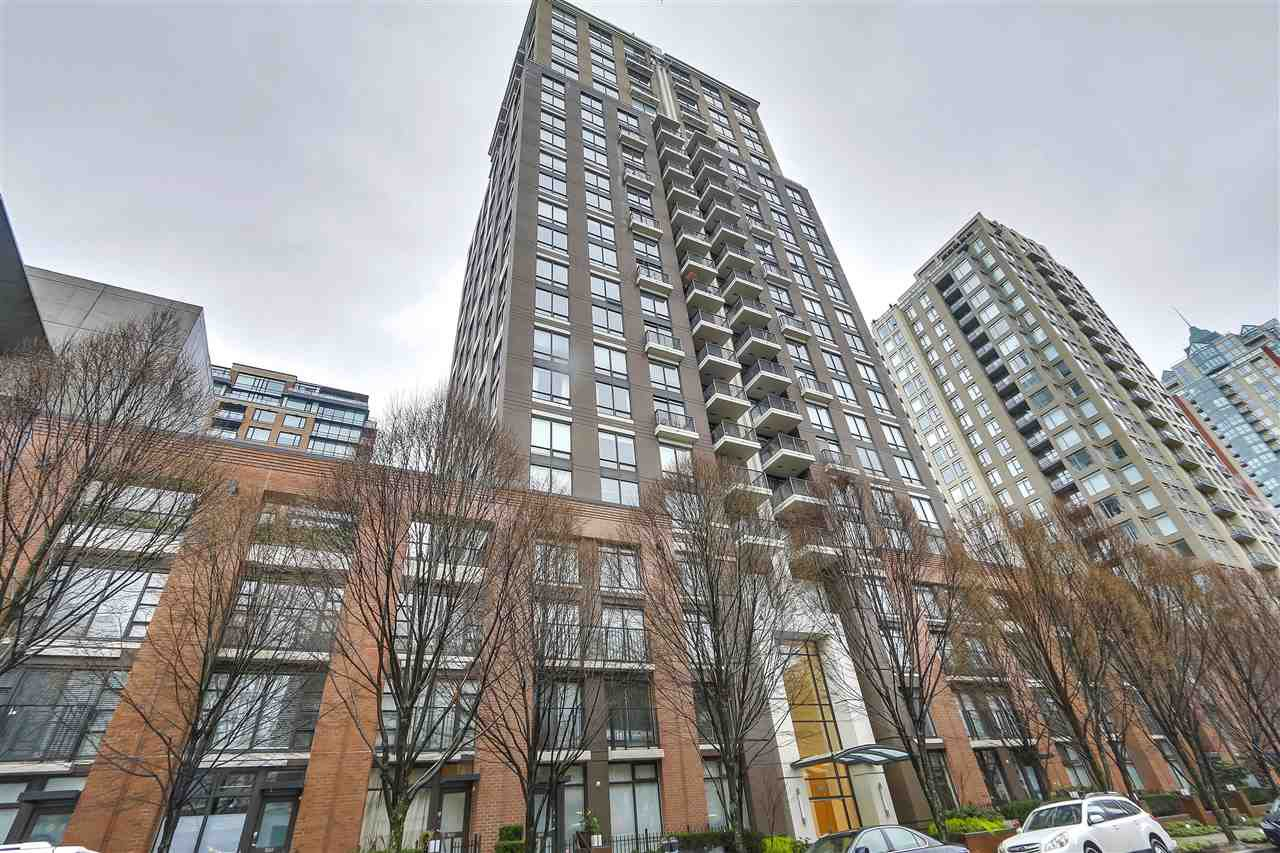 "Main Photo: 701 1055 HOMER Street in Vancouver: Yaletown Condo for sale in ""DOMUS"" (Vancouver West)  : MLS®# R2245913"