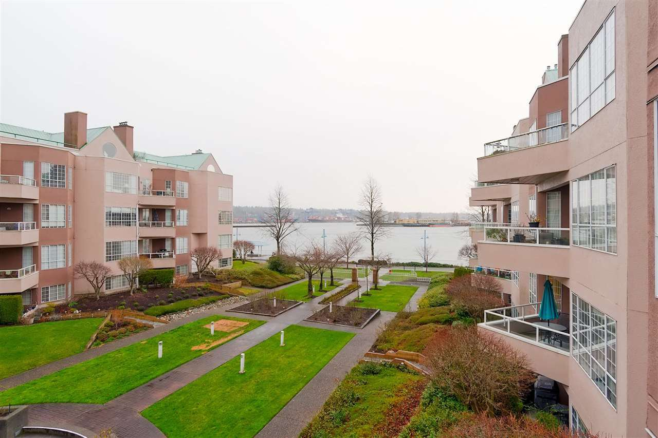 Photo 13: Photos: 316 1150 QUAYSIDE Drive in New Westminster: Quay Condo for sale : MLS®# R2329449