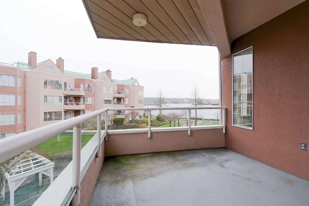 Photo 15: Photos: 316 1150 QUAYSIDE Drive in New Westminster: Quay Condo for sale : MLS®# R2329449