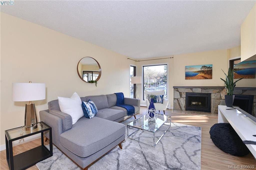 Main Photo: 305 1518 Pandora Ave in VICTORIA: Vi Fernwood Condo Apartment for sale (Victoria)  : MLS®# 808067