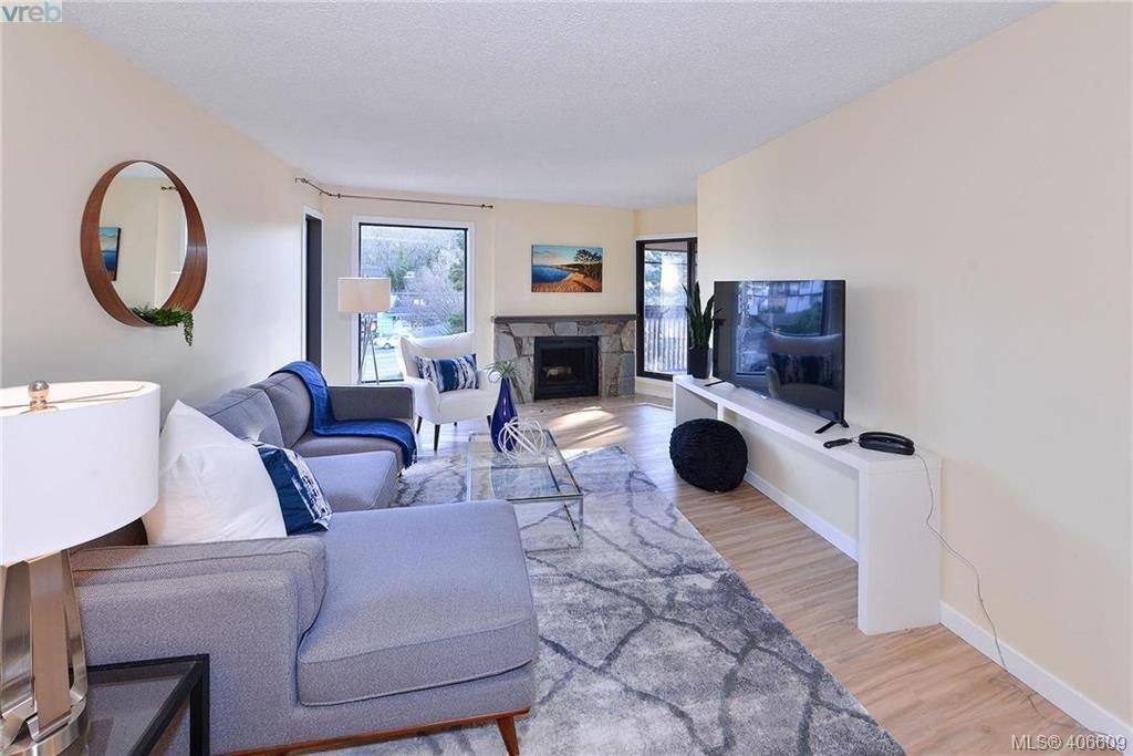 Photo 3: Photos: 305 1518 Pandora Ave in VICTORIA: Vi Fernwood Condo for sale (Victoria)  : MLS®# 808067