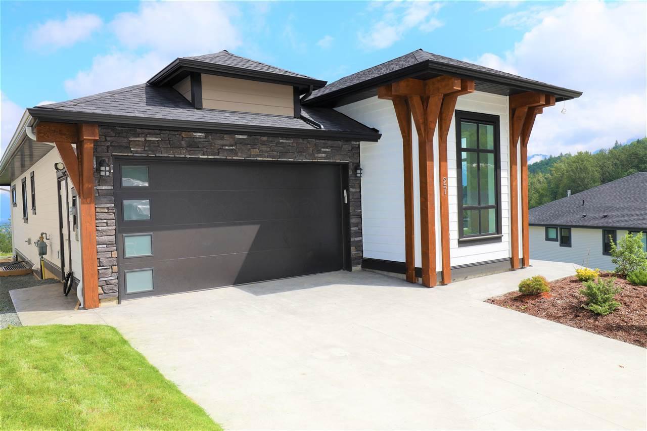 "Main Photo: 27 8295 NIXON Road in Chilliwack: Eastern Hillsides House for sale in ""Camden"" : MLS®# R2453077"