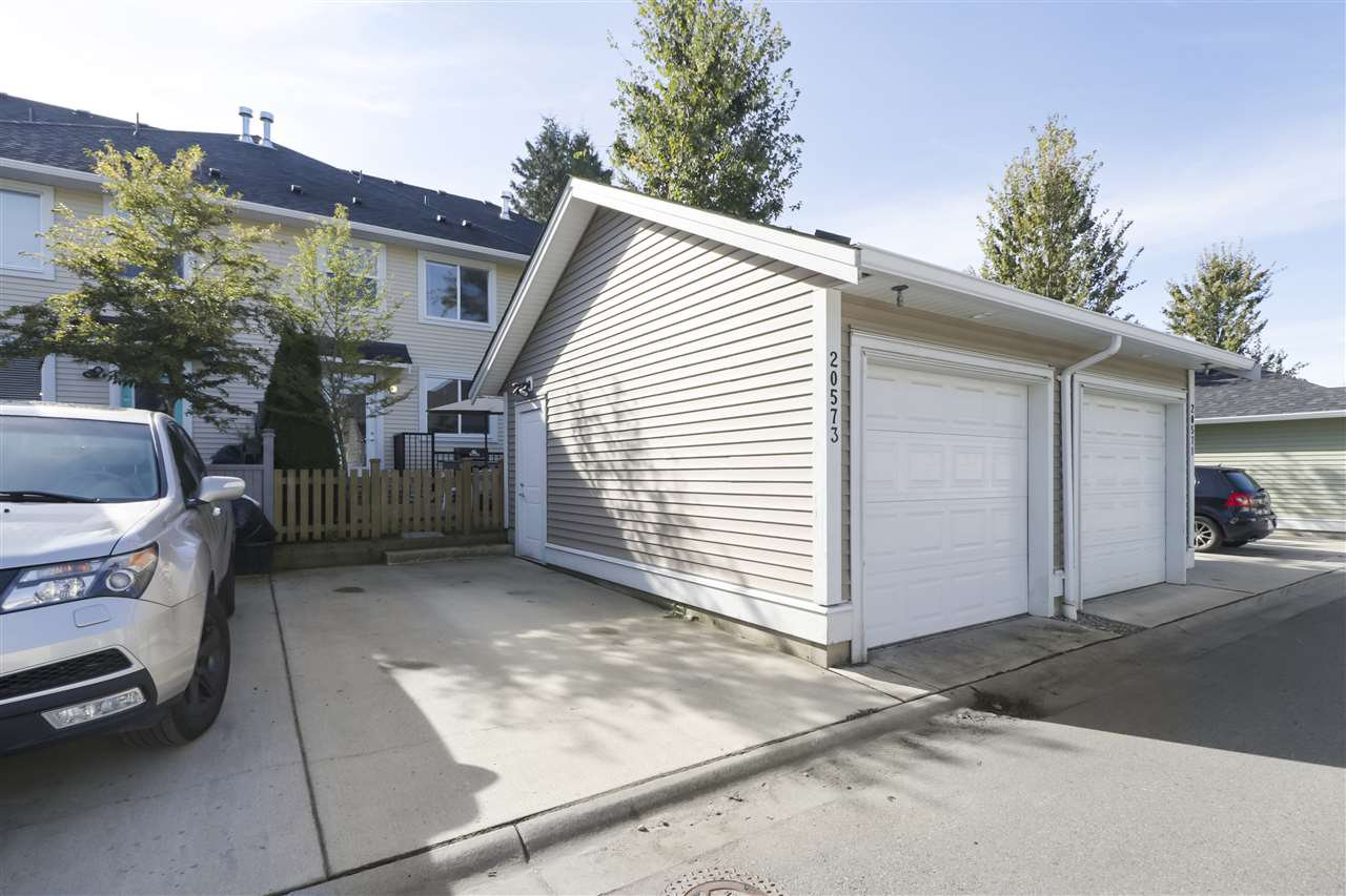 """Photo 25: Photos: 20573 84 Avenue in Langley: Willoughby Heights Condo for sale in """"PARKSIDE"""" : MLS®# R2459642"""