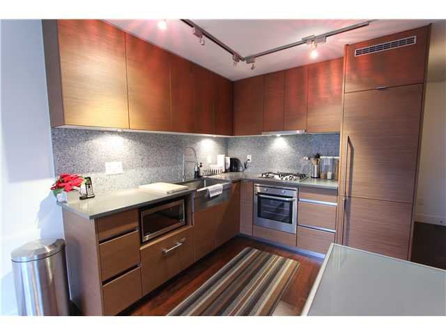 "Main Photo: 705 565 SMITHE Street in Vancouver: Downtown VW Condo for sale in ""VITA"" (Vancouver West)  : MLS®# V1052575"