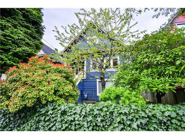 "Main Photo: 2841 WINDSOR Street in Vancouver: Mount Pleasant VE House for sale in ""Mt. Pleasant"" (Vancouver East)  : MLS®# V1060987"