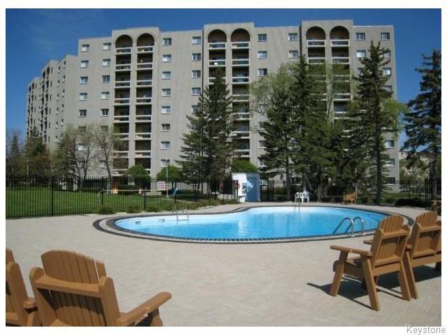 Main Photo: 3000 Pembina Highway in WINNIPEG: Fort Garry / Whyte Ridge / St Norbert Condominium for sale (South Winnipeg)  : MLS®# 1527083