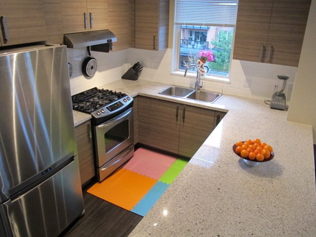"""Photo 8: Photos: 310 1150 KENSAL Place in Coquitlam: New Horizons Condo for sale in """"Thomas House"""" : MLS®# R2024529"""